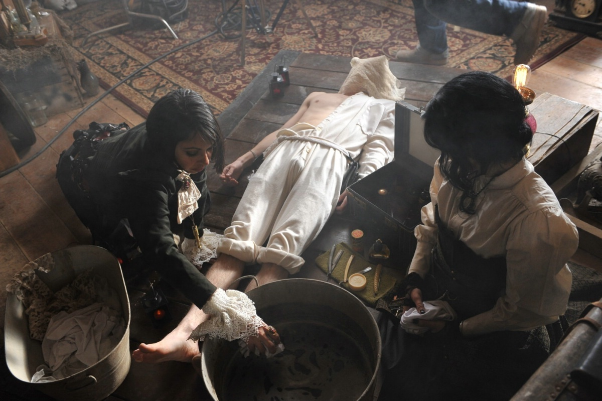 New Still From the Ballad of Mona Lisa Video panic at the disco 18713439 1200 799