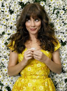 Anna Friel in 'Pushing Dashies' [Image via makeup.com]