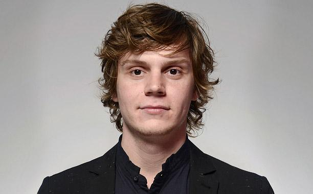 evan peters vk