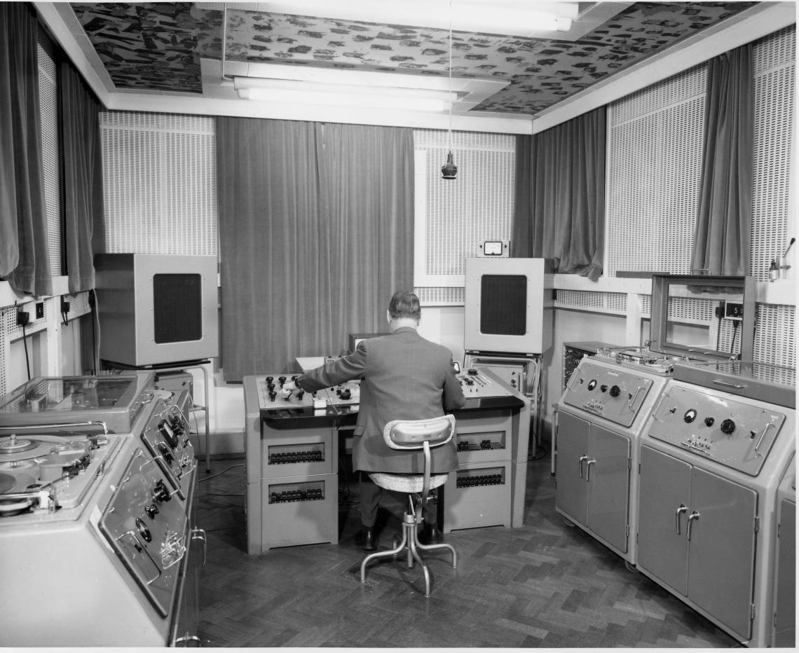 Legendary Abbey Road Tape Recorder Found In Surge Studio Room