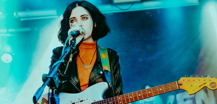 """""""The album is just a door into my brain"""" – An interview with Heather Baron-Gracie of Pale Waves"""