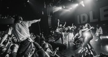 Review: IDLES – A Beautiful Thing (Live at Le Bataclan)